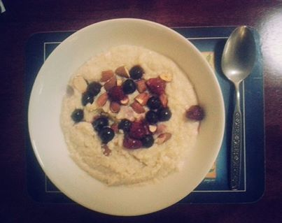 Quinoa porridge with berries and almonds. Yummo!